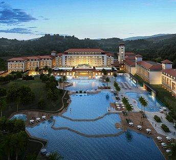 环山酒店,酒店泳池